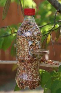 Plastik Kaşıklardan Kuş Yemliği