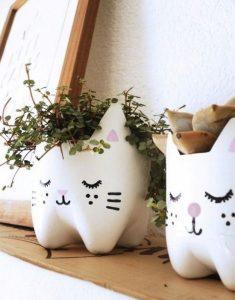 pet şişeden kedi yapımı